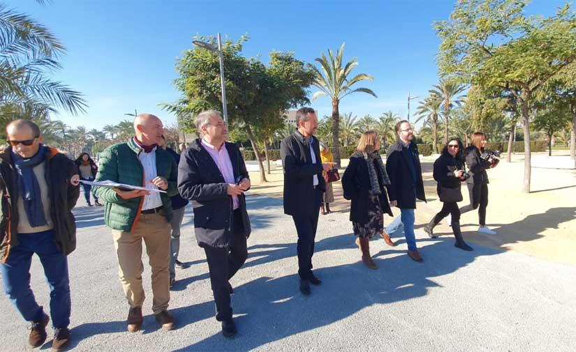 """El alcalde de Elche destaca que """"el nuevo ajardinamiento de la UMH posibilita una mejor conexión con la ciudad"""""""