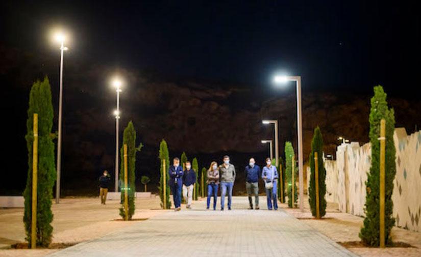 El Ayuntamiento de Almería mejora el entorno de La Alcazaba y La Hoya con nueva iluminación eficiente