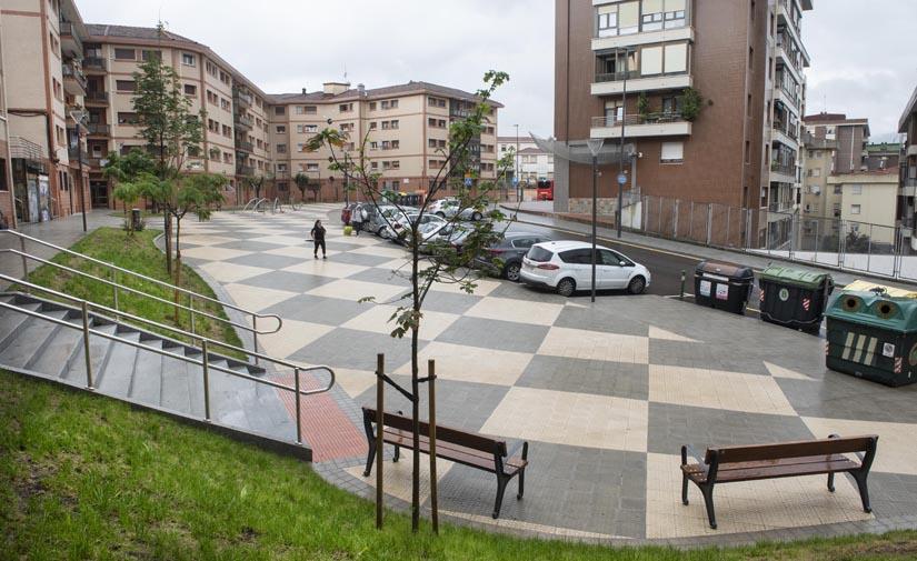 El Ayuntamiento de Bilbao culmina las obras de renovación integral de la Plaza Arabella y un tramo de la Calle Zabalbide
