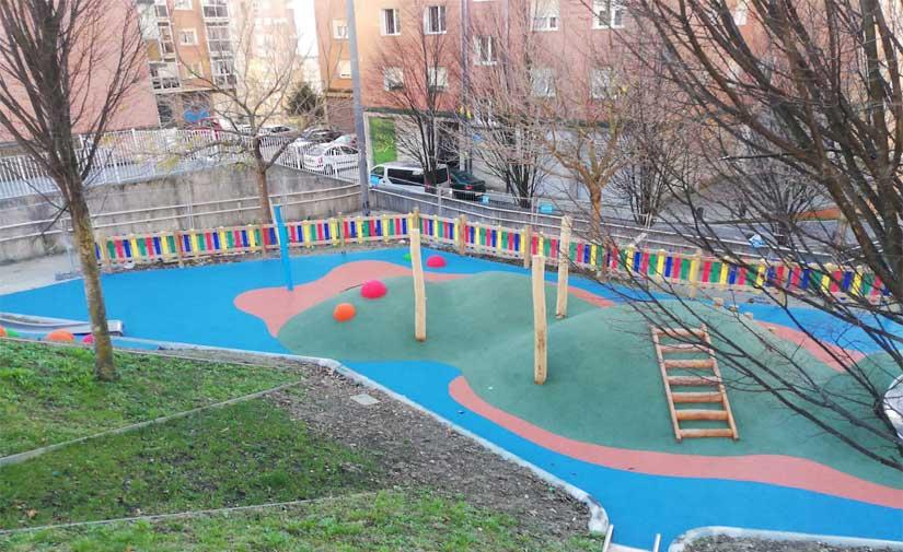 El Ayuntamiento de Bilbao renueva los juegos infantiles de Garate en Otxarkoaga