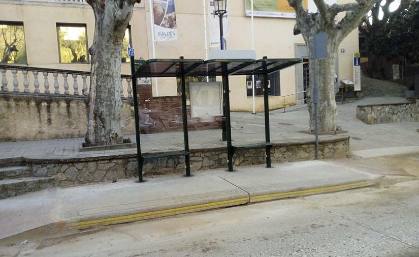El Ayuntamiento de Caldes d'Estrac confía en Martín Mena sus nuevas marquesinas de autobús