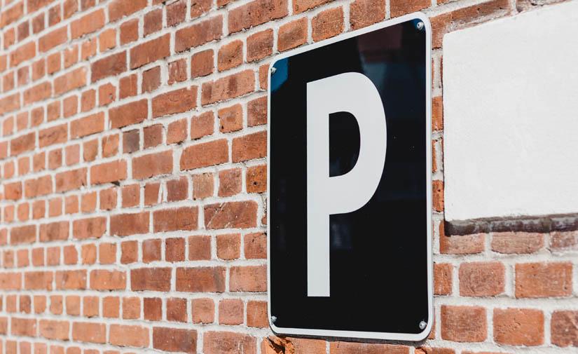 El Ayuntamiento de Girona pone en marcha una prueba piloto para instalar sensores en los aparcamientos