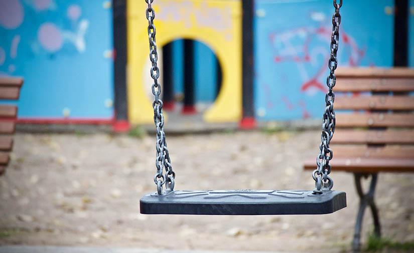 El Ayuntamiento de La Laguna mejora una quincena de parques infantiles