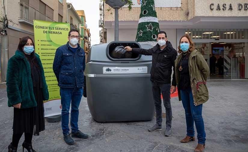 El Ayuntamiento de Mislata readapta sus contenedores con tapas sin contacto