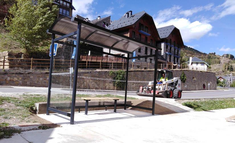 El ayuntamiento de Sallent de Gallego instala marquesinas  de autobús Seduction