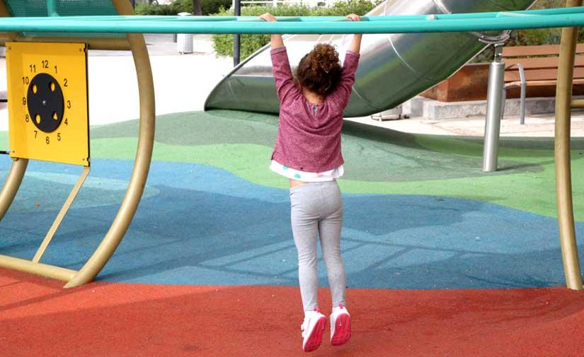 San Fernando dota a los parques infantiles de juegos inclusivos para niños y niñas con diversidad funcional