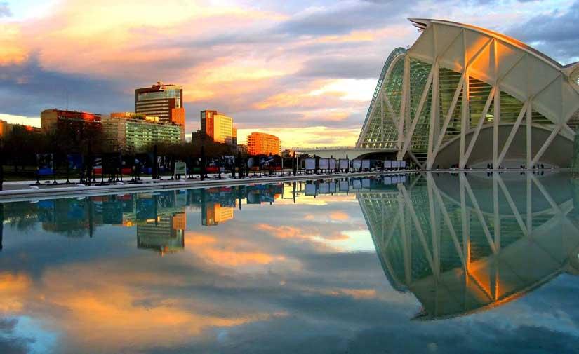 El Ayuntamiento de València invertirá 1,5 millones en la mejora del alumbrado público