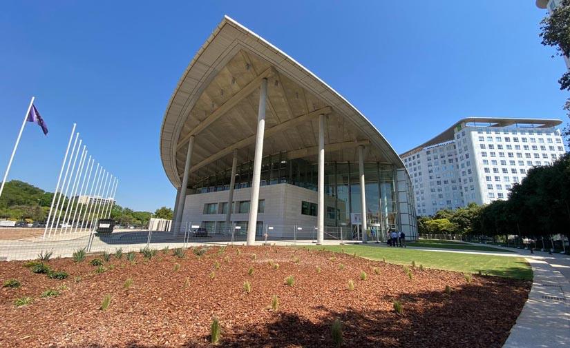 El Palau de Congresos de Valencia estrena un espacio verde de 1.400 metros cuadrados
