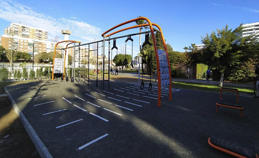 El Parque del Oeste de Málaga estrena un nuevo espacio para el entrenamiento al aire libre