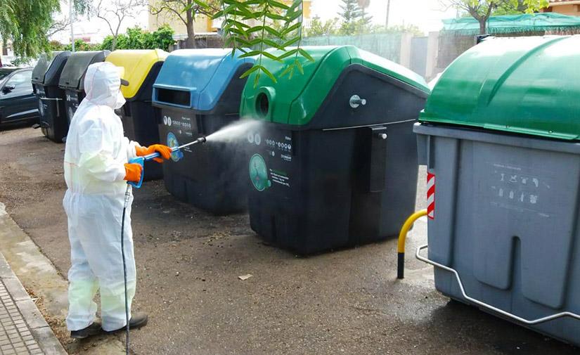 Emaya desinfecta 2,5 millones de metros cuadrados de calles y aceras en Palma