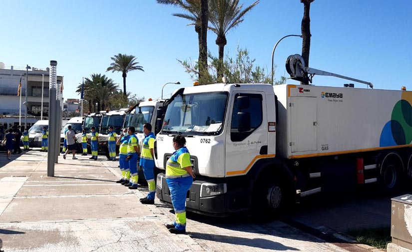 EMAYA pone en marcha el plan de limpieza y recogida de residuos en la Playa de Palma