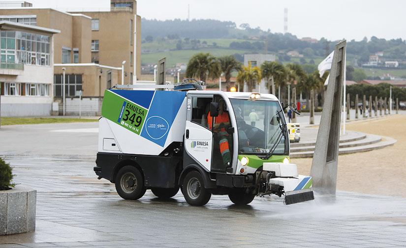 EMULSA aprueba la adquisición de nuevos equipos para el servicio de limpieza y recogida de residuos de Gijón
