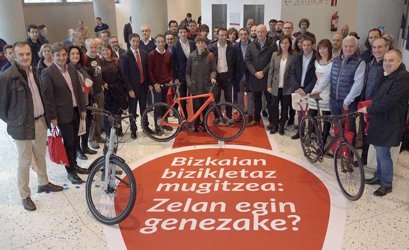 En Bizkaia quieren convertir la bici en la opción preferente para los desplazamientos diarios