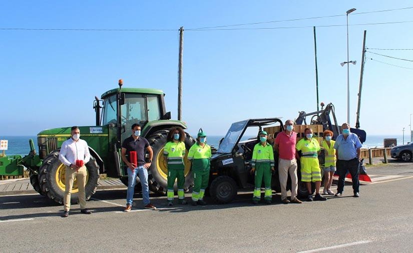 En Carballo lanzan una campaña para distribuir ceniceros de plástico reciclado para las playas