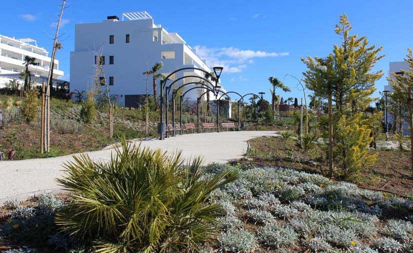 Estepona crea una nueva zona verde de 8.000 metros cuadrados en la parte oeste de la ciudad