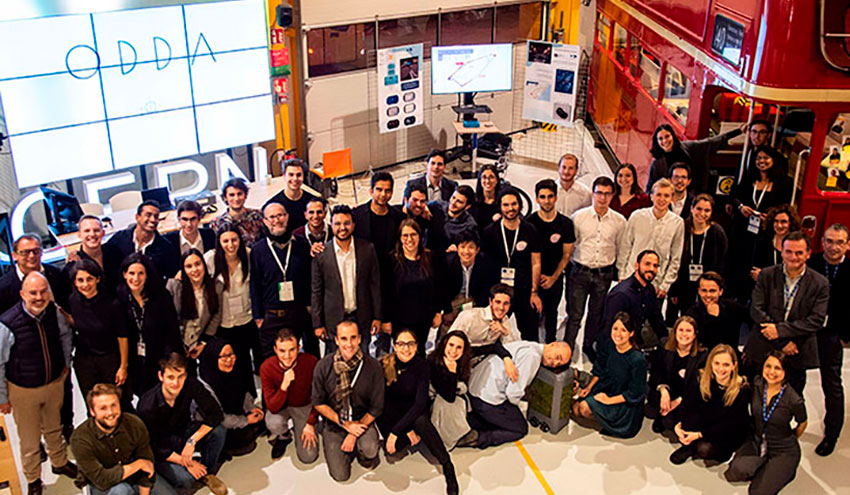 Estudiantes de la UPC, Esade, y el IED presentan en el CERN soluciones para mejorar la movilidad urbana