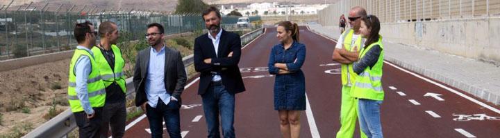 El Cabildo de Lanzarote ultima los trabajos del carril bici de conexión entre el paseo marítimo de Playa Honda y el Aeropuerto