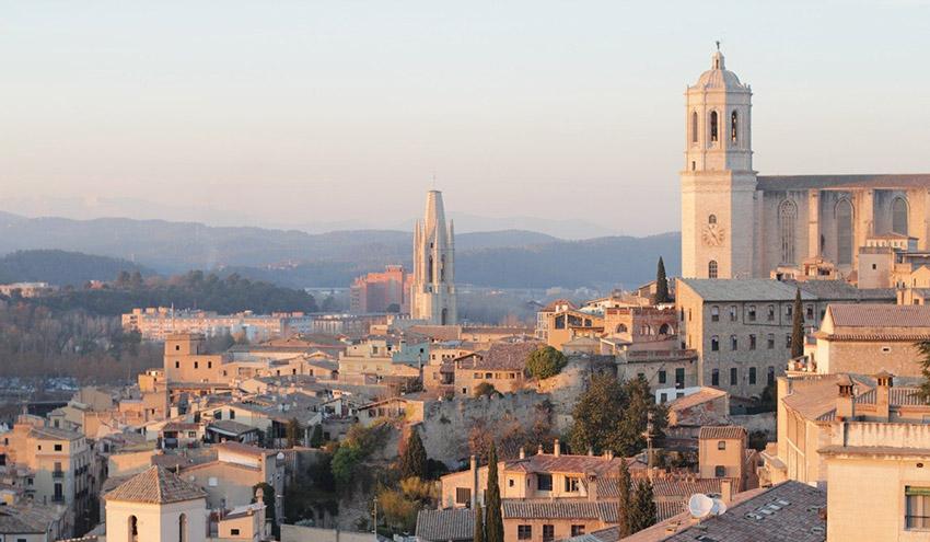 Girona mejora la limpieza de la ciudad con nueva maquinaria, ampliación del PaP y contenedores inteligentes
