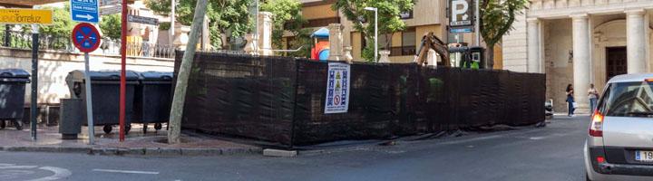 Almería inicia las obras de instalación de contenedores soterrados en Plaza San Pedro, Santos Zárate y Alcalde Muñoz