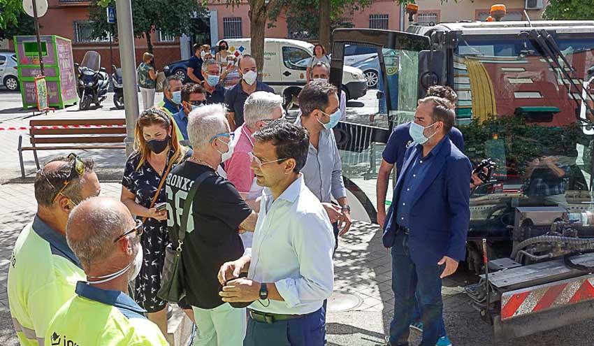 Granada activa un plan de choque de limpieza en todos los barrios durante el verano