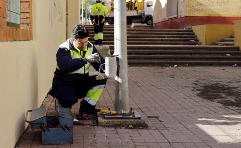 Huelva consiguen un ahorro de 22.695 kwh gracias al mantenimiento del alumbrado llevado a cabo en el primer semestre