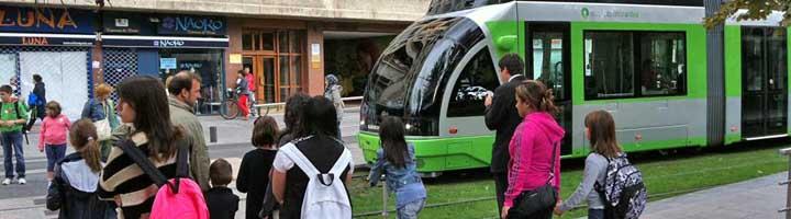 Carballo aprende de la política de movilidad sostenible y tráfico de la ciudad de Vitoria
