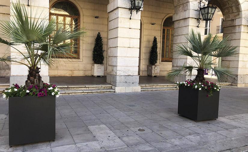 Jardineras para protección peatonal y embellecimiento de las calles de Gandía