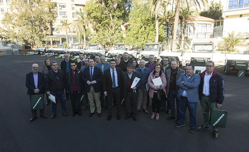 La Diputación de Almería entrega una flota de barredoras para dar servicio en 21 pequeños municipios de la región