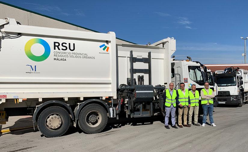 La Diputación de Málaga invierte 1,9 millones de euros en 11 nuevos camiones para la recogida de residuos urbanos