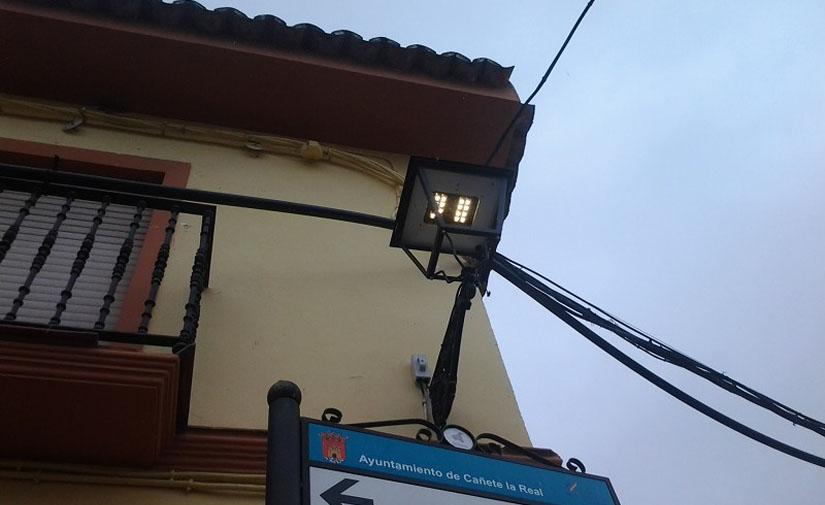 La Diputación de Málaga licita por 3,2 millones de euros la renovación de 7.000 farolas en 53 municipios