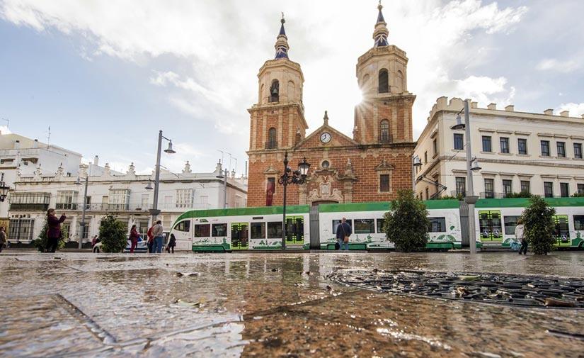 La Junta de Andalucía adjudica el mobiliario urbano en el trazado del tranvía en San Fernando