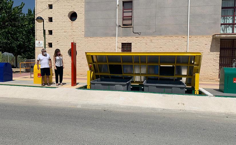La pedanía de Zeneta en Murcia estrena nuevos contenedores soterrados