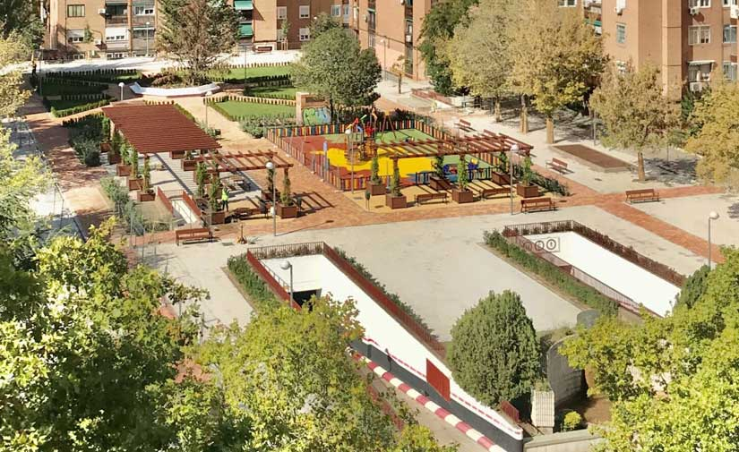 La plaza de Antonio Machado de Madrid, más accesible y con una red de riego eficiente