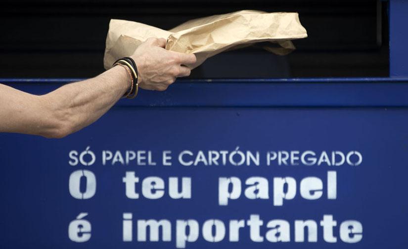 La Xunta y Ecoembes entregan casi 700 nuevos contenedores amarillos y azules a 32 ayuntamientos gallegos