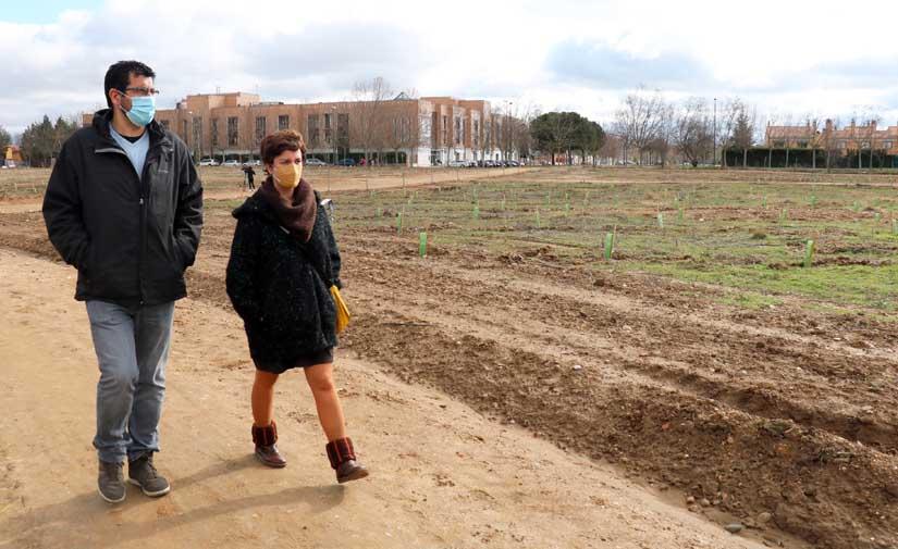 La zona sur de Valladolid estrena un bosque urbano con más de seis mil árboles y plantas