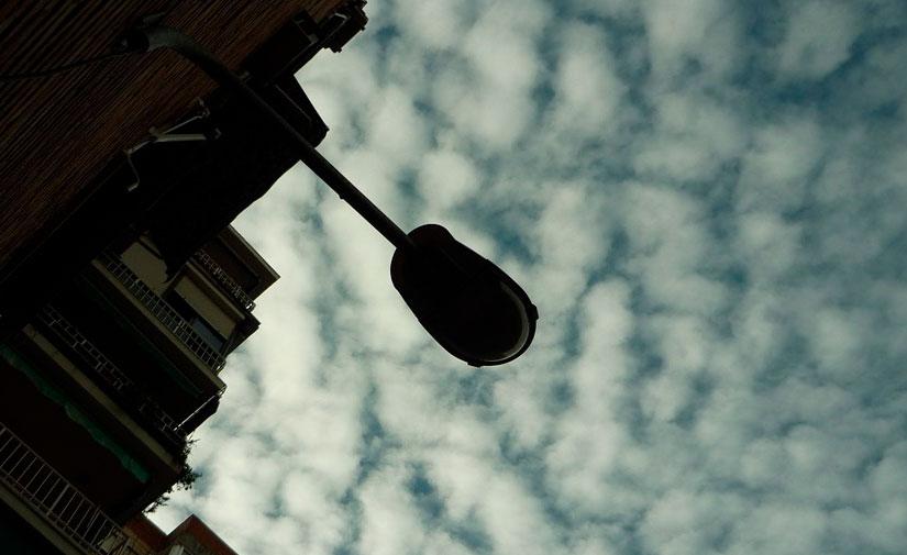 La ejecución del Plan de Intervención en el Alumbrado Público IDAE II en València alcanza su ecuador