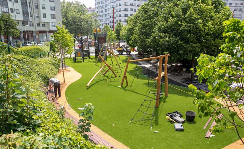 Las obras de mejora de la Plaza Elíptica de los Rosales en Coruña, a punto de terminar
