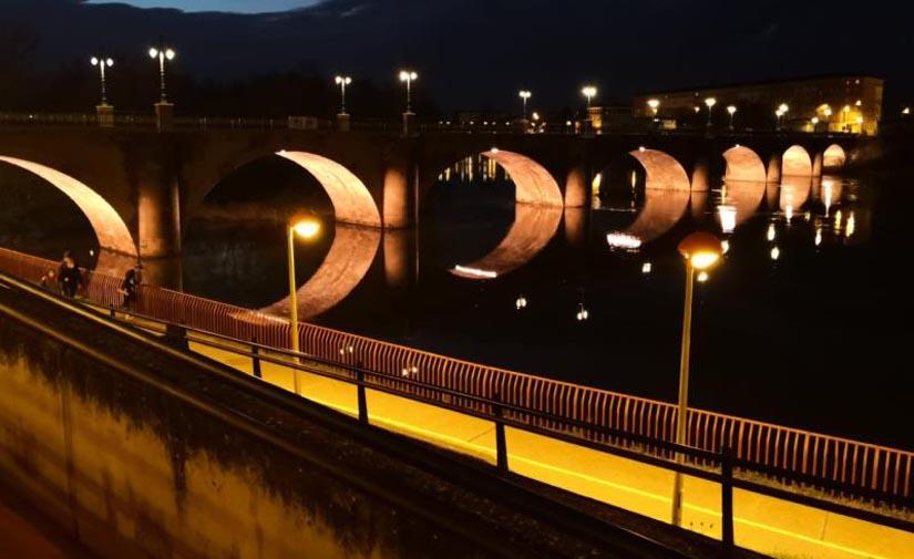 Logroño dotará al Puente de Piedra con iluminación ornamental en los arcos con 84 proyectores