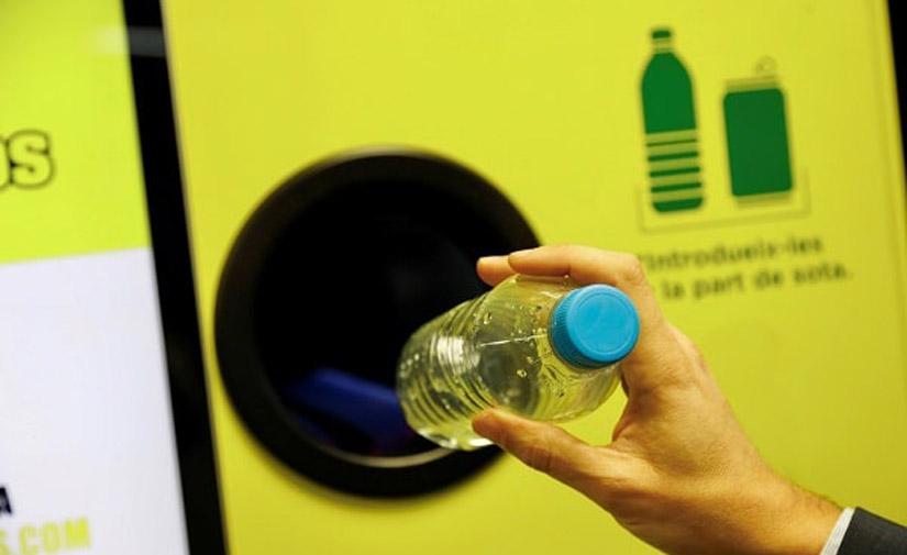 Los parques de ocio de Madrid se convierten en los primeros del país en contar con máquinas que recompensan por reciclar