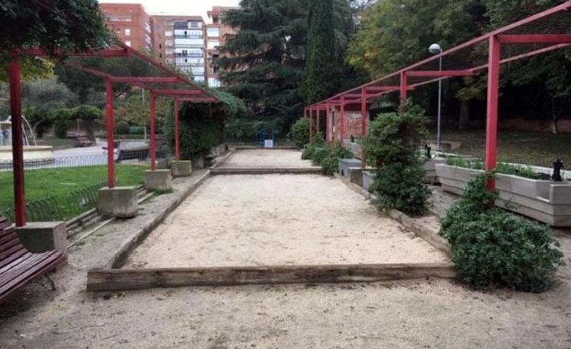 Madrid mejora las zonas ajardinadas y caninas de los jardines de Enrique Herreros