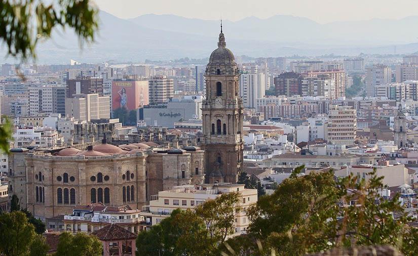 Málaga licita más de 16 millones de euros en mejoras en espacios públicos y equipamiento urbano