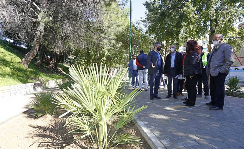 Más paseos, jardines y árboles y menos coches en la Ronda de los Tejares en Sevilla