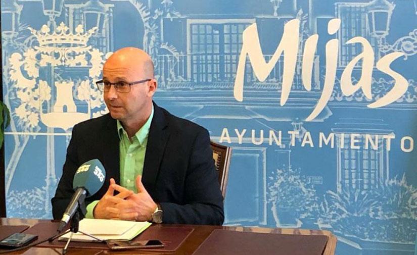 Mijas renueva la red de alumbrado público en El Coto