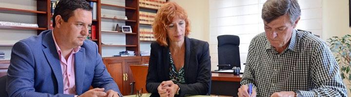 Ayuntamiento de Arona y Cabildo de Tenerife suscriben un convenio para el mantenimiento de las zonas verdes