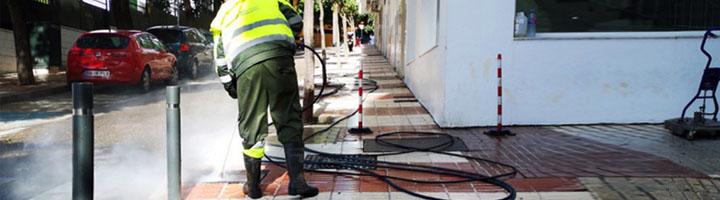 Marbella recupera casi 66.000 metros cuadrados de pavimento con un tratamiento especial para eliminar las manchas de suciedad incrustada