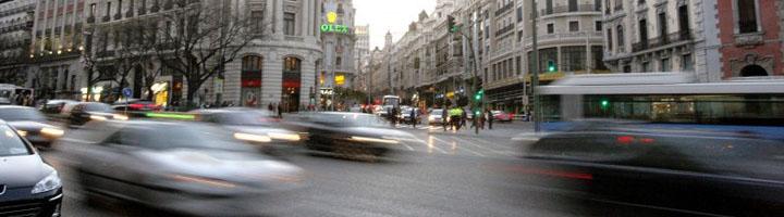 Los madrileños apuestan por favorecer el uso del transporte público y los coches eléctricos para mejorar la calidad del aire