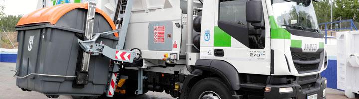 Madrid implanta el sistema de recogida de basura mediante carga lateral en algunos distritos de la ciudad