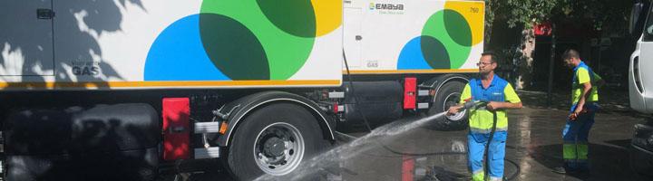 EMAYA presenta los nuevos camiones cisterna para incrementar la limpieza con agua a presión