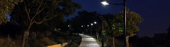 San Juan de Aznalfarache apuesta por la eficiencia energética con la implantación de farolas solares