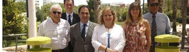 Valencia renueva sus papeleras fabricadas con material de origen vegetal
